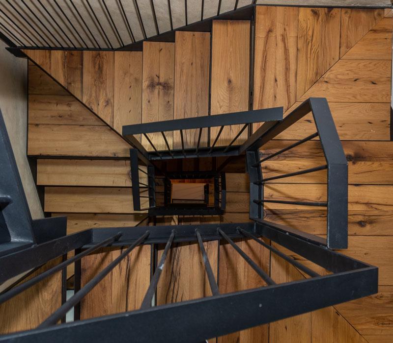Escaleras La Casa de los Mil Años
