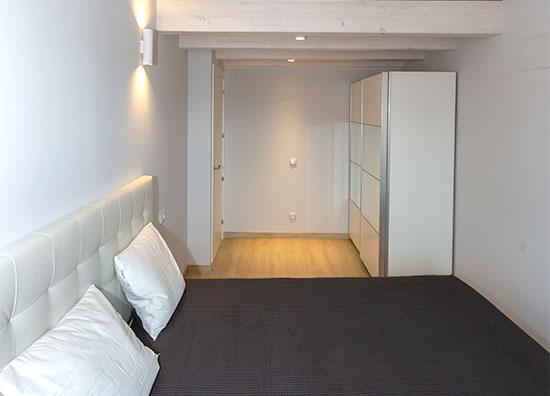 Habitación dos camas de matrimonio alojamiento La Casa de los Mil Años